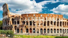Colosseum ou coliseu em Roma na luz solar, Itália Fotos de Stock Royalty Free