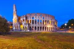 Colosseum ou coliseu na noite, Roma, Itália fotos de stock royalty free