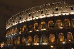 Colosseum par Night Photos libres de droits