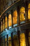 Colosseum par nuit photos stock