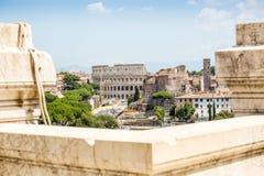 Colosseum preso dal monumento dell'IL Vittoriano, Roma, Italia fotografia stock libera da diritti