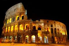 Colosseum przy noc Zdjęcia Royalty Free