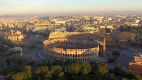 Colosseum in Rom - Vogelperspektive stock video