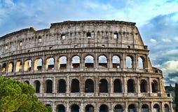 Colosseum romano em HDR imagens de stock