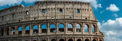 Colosseum in Rome en ochtendzon, Italië stock foto