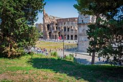 Colosseum Rome vu du palantinehill, serré des turists photo stock
