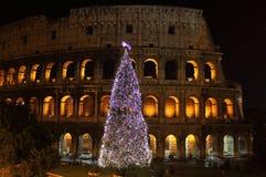 Colosseum 's nachts in de tijd van Kerstmis royalty-vrije stock afbeelding