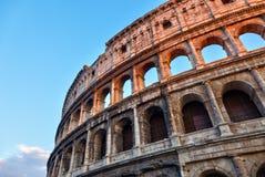 Colosseum am Sonnenuntergang lizenzfreies stockbild