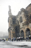 Colosseum sous la chute de neige importante Photo stock