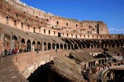 Colosseum tegen Dag Stock Afbeelding