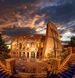 Colosseum under aftontid, Rome, Italien Fotografering för Bildbyråer