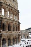 Colosseum unter Schnee Stockfotos