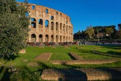 Colosseum von der Seite Stockbild