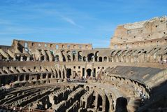 Colosseum von Rom in Lazio in Italien stockbild