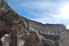 Colosseum von Rom in Lazio in Italien lizenzfreie stockbilder