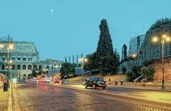 Colosseum w centrum miasta Rzym Włochy w wieczór Obrazy Royalty Free