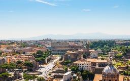 Colosseum y Roman Forum en Roma, Italia, visión aérea Imágenes de archivo libres de regalías