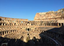Colosseumen eller coliseumen, också som är bekanta som Flavian Amphitheatre royaltyfri foto