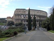 Colosseumen i mitten av Rome arkivfoton