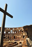 Colosseumen och kristendomen Arkivbilder