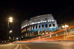 colosseumitaly natt rome Arkivfoton