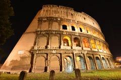 colosseumportlampa förbi rome till in mot Fotografering för Bildbyråer
