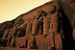 Colossos do grande templo de Ramses II do local Egito do patrimônio mundial do UNESCO de Ramses II Abu Simbel fotografia de stock royalty free