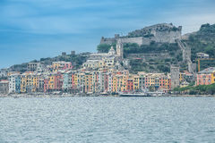 Colouful villor av Portovenere, Liguria, Cinque Terre, Italien Royaltyfri Fotografi