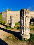 Coloumn nell'acropoli di Corinth Grecia fotografie stock libere da diritti
