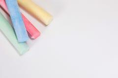 Coloured kreda wtyka zbliżenie z kopii przestrzenią zdjęcia stock