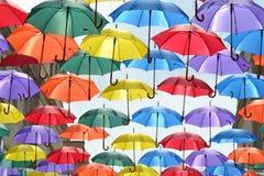 Coloured parasole wiesza na drucie Zdjęcie Stock