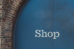 Coloured tło pusty znak na handlowym budynku Fotografia Stock