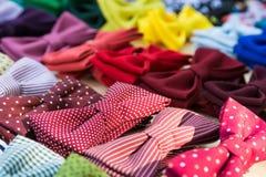 Colourful łęków krawaty dla sprzedaży obraz stock