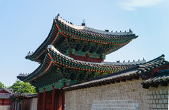 Colourful gate of Korean palace Royalty Free Stock Photos