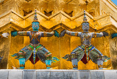 The colourful giant statue at Wat Pra Si Rattana Satsadaram Stock Images