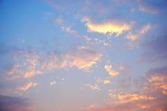 Colourful nieba i chmura zmierzchu tło Zdjęcia Royalty Free