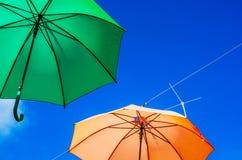 Colourful parasoli miastowa uliczna dekoracja Wiszący kolorowy um Zdjęcia Stock