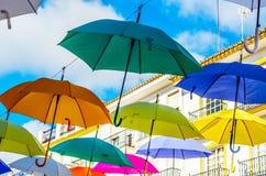 Colourful parasoli miastowa uliczna dekoracja Wiszący kolorowy um Fotografia Royalty Free