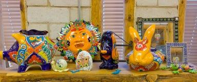 Colourful podpalający ceramiczni artykuły dla sprzedaży obraz royalty free
