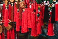 Colourful tradycyjne pamiątki w porcelana rynku Zdjęcia Royalty Free