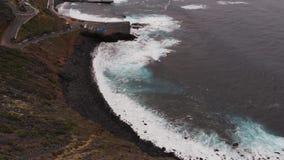 Colpi dal fuco - la costa dell'isola di Tenerife, Spagna stock footage