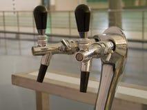 Colpisca il rubinetto leggermente della bevanda Immagini Stock Libere da Diritti