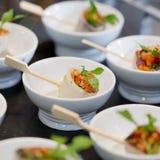 Colpisca l'alimento in vassoi - una serie di stile di immagini del RISTORANTE Immagine Stock