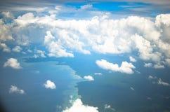 Colpo aereo delle nuvole in cielo Immagine Stock