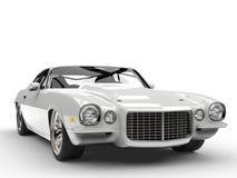 Colpo automobilistico americano classico d'annata bianco basso del primo piano illustrazione di stock