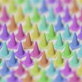 Colpo basso di profondità di campo dei coni variamente colorati di traffico Immagini Stock