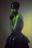 Colpo creativo con bodyart verde fotografie stock