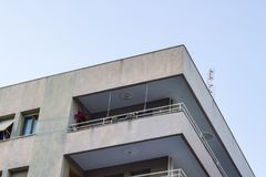 Colpo d'angolo di alloggio di massa moderno nella città alla Turchia Immagini Stock Libere da Diritti