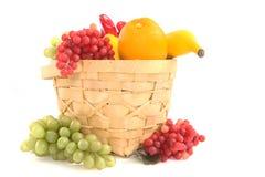 Colpo del cestino di frutta immagine stock libera da diritti