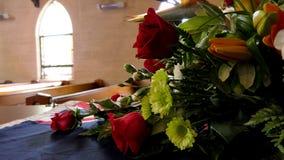 Colpo del fiore & della candela usati per un funerale immagini stock libere da diritti